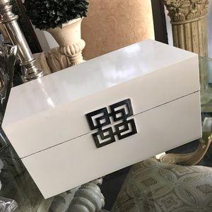 White Zgallerie Ming Box